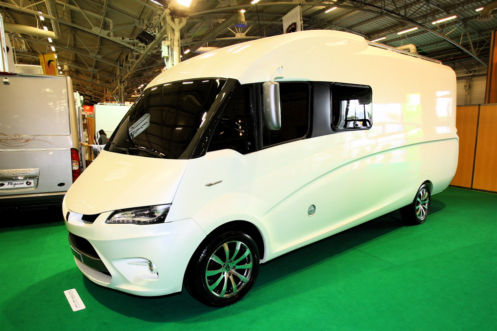 L 39 atalante le buzz du bourget esprit camping car le mag 39 for Salon du camping car le bourget
